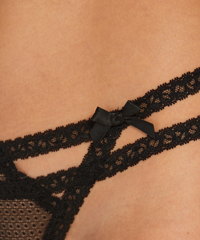 String Itzel, Noir, main