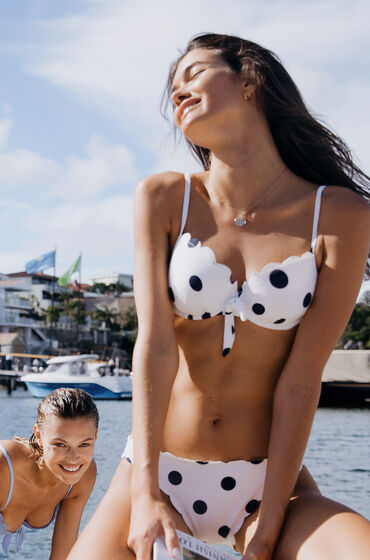 Image of Hunkemöller Vorgeformtes Bügel-Bikini-Oberteil Scallop Dot Weiß